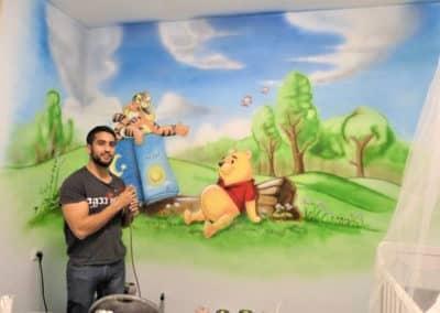 ציור קיר של פו הדוב - ציורי קיר לחדרי ילדים