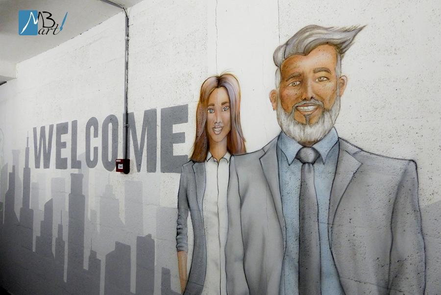 ציורי קיר בכניסה