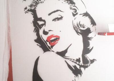 MBart ציורי קיר - ציור קיר של מרלין מונרו